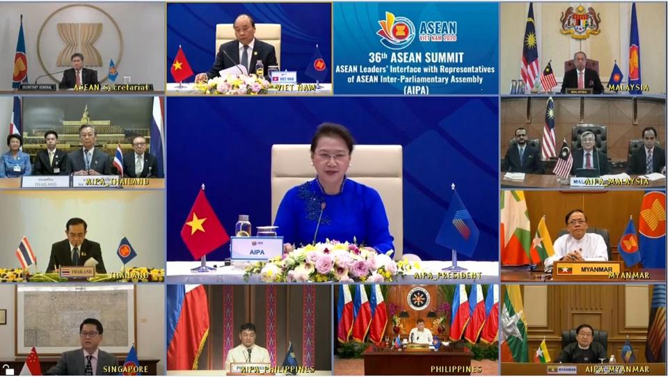 Giới thiệu bộ phim về các thành tựu đối ngoại của Việt Nam trong năm 2020